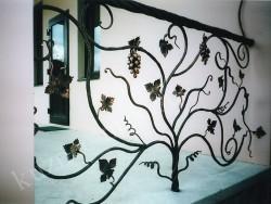 Ограждение террасы в стиле виноградная лоза