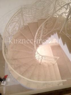 Кованые перила белого цвета в стиле модерн №-1