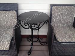 Кованый столик для веранды
