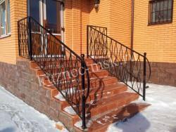 Ограждение лестницы ковка
