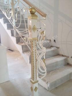 Кованые перила в стиле модерн, кованый начальный столб ручной работы, патинирование итальянской патиной - цвет золото
