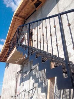 Недорогое ограждение для металлической лестницы, цвет черный, патина золото