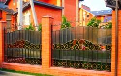 Забор кованый с поликарбонатом фото №7