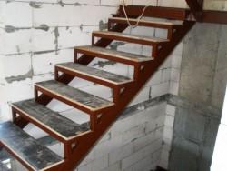 Металлическая лестница фото