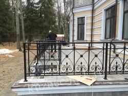 Ограждение террасы после реставрации
